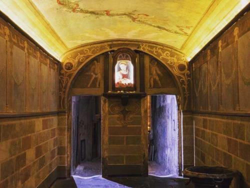 Chiesa-sconsacrata-(5)